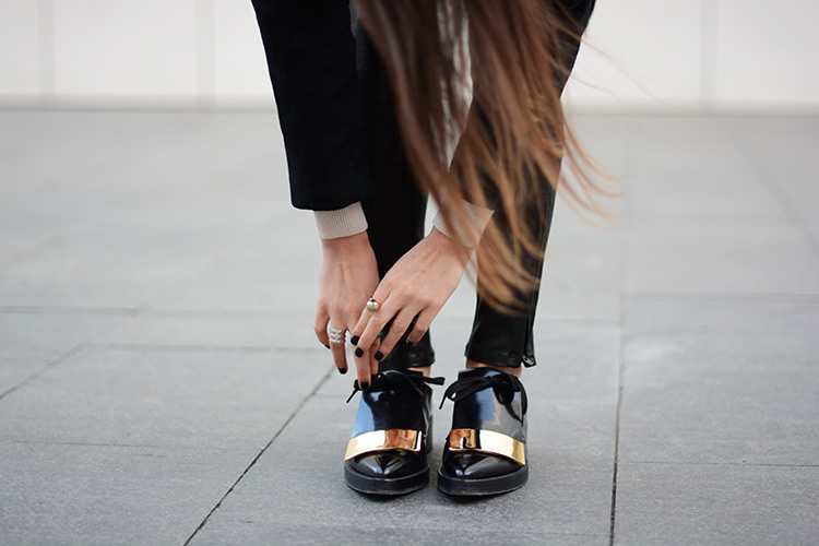 marni-flat-shoes-jbrand-leather-pants1 Black & Gold