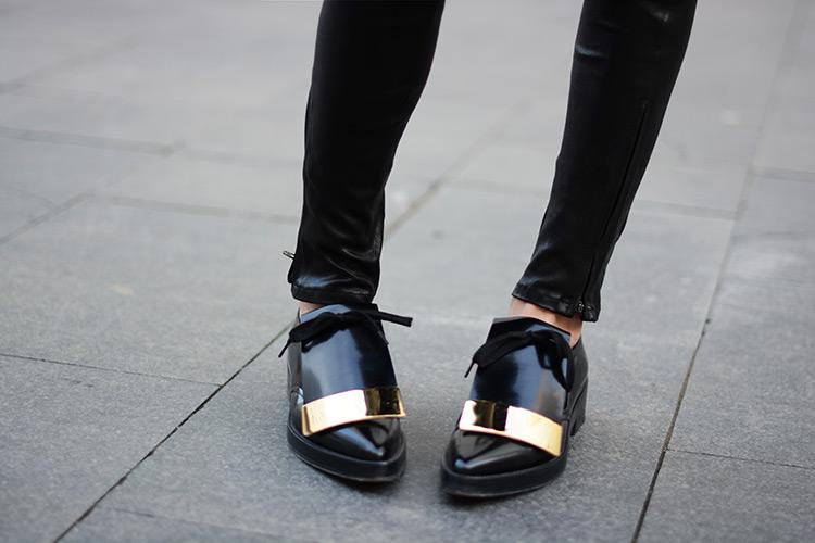 marni-flat-shoes-zina-charkoplia-fashionvibe-jbrand-leather-pants Black & Gold