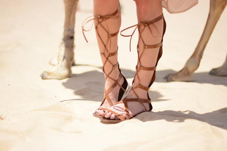 carvela-sandals-tunisia-outfit Sahara