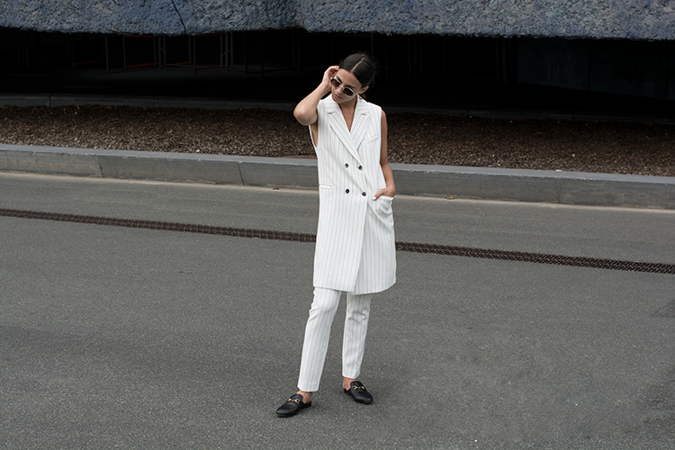 alba-conde-fashionvibe-white-stripes Alba Conde White Suit!