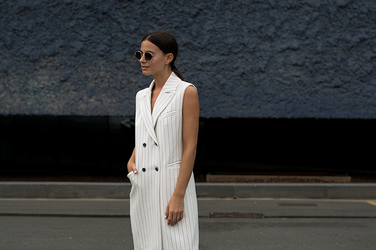 alba-conde-stripes-fashionvibe Alba Conde White Suit!