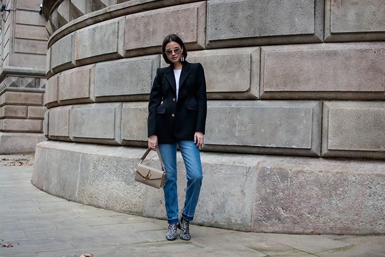 balenciaga-blazer-jw-anderson-isabel-marant-boots-fashionvibe It´s All About The Balenciaga Blazer