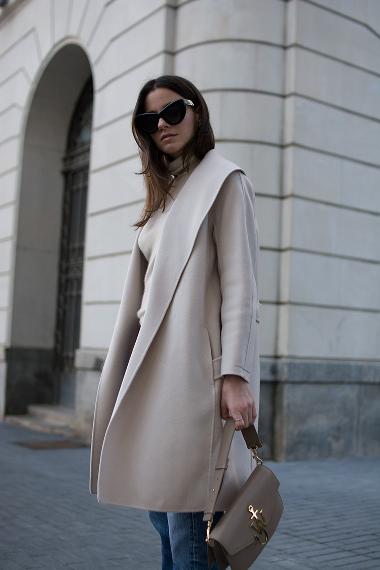 max-mara-coat-selfridges-fashion-fashionvibe-zina-charkoplia Find Your Dream Coat At Selfridges!