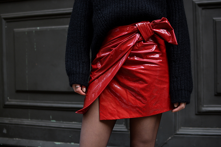 red-patent-skirt-fashionvibe What´s With The Red Patent Skirt?
