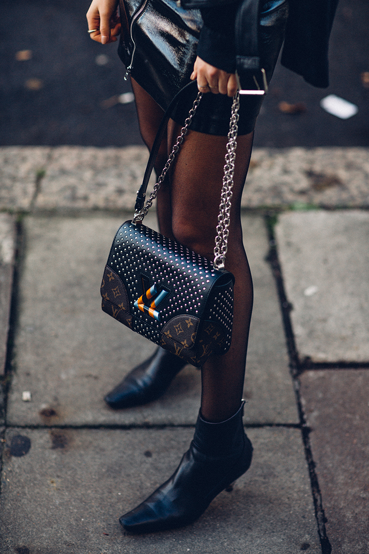 total-black-fashionvibe-london-zina-charkoplia Effortless Chic In A Total Black Outfit