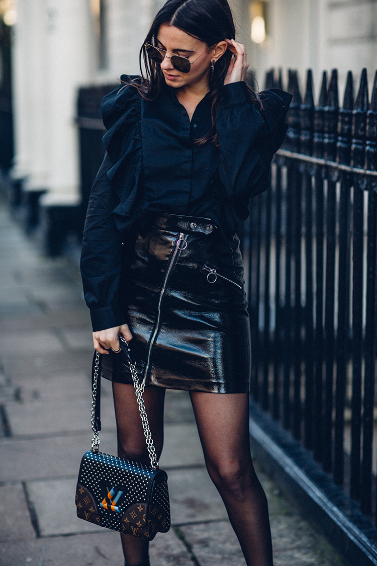total-black-fashionvibe-zina-charkoplia Effortless Chic In A Total Black Outfit