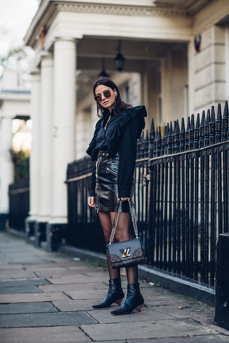 total-black-fashionvibe Effortless Chic In A Total Black Outfit