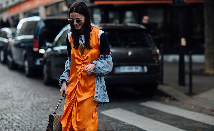 orange-neon-dress-fashionvibe-paris-fashion-week Orange Neon Is Back