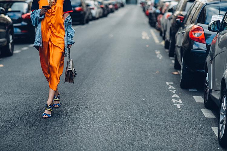 orange-neon-fashionvibe-paris-fashionweek Orange Neon Is Back