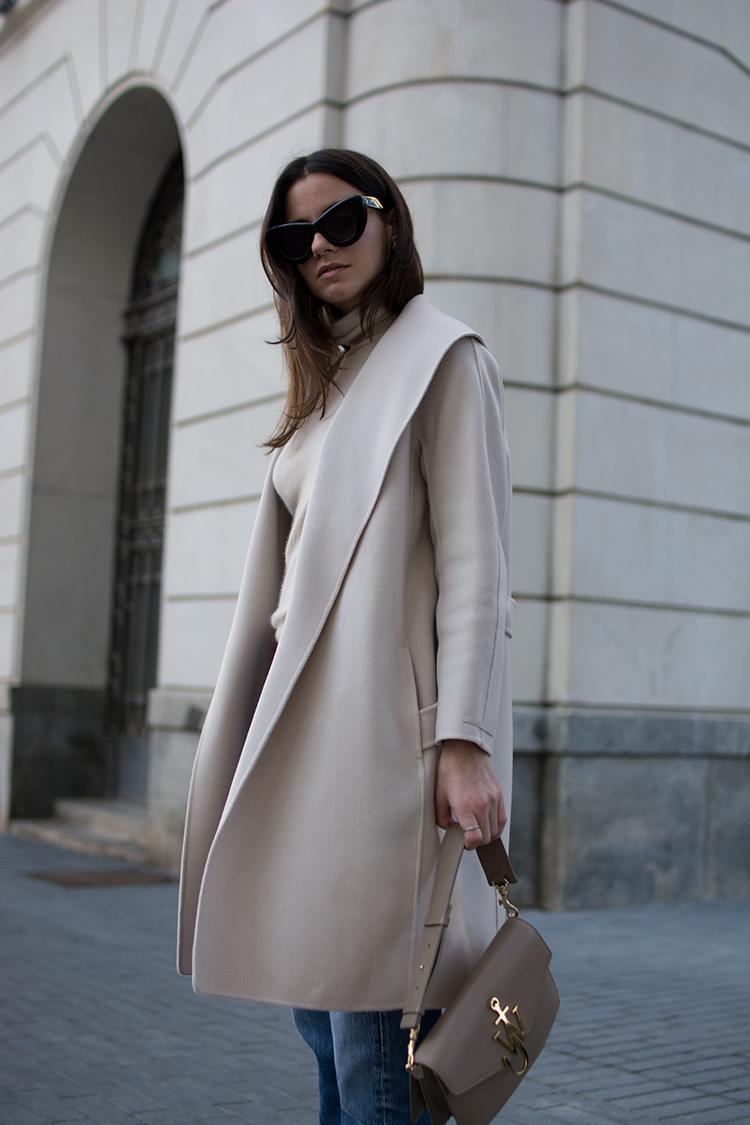 max-mara-coat-selfridges-fashion-fashionvibe-zina-charkoplia Find Your Dream Coat At Selfridges!