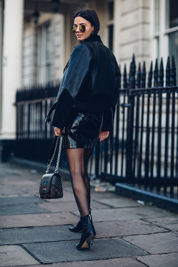 total-black-fashionvibe-london Effortless Chic In A Total Black Outfit